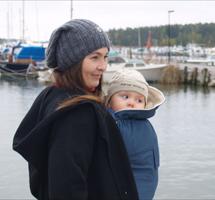 Protéger mon bébé du froid avec la cape de portage MAM ! - Blog au ... 7eec81996d7