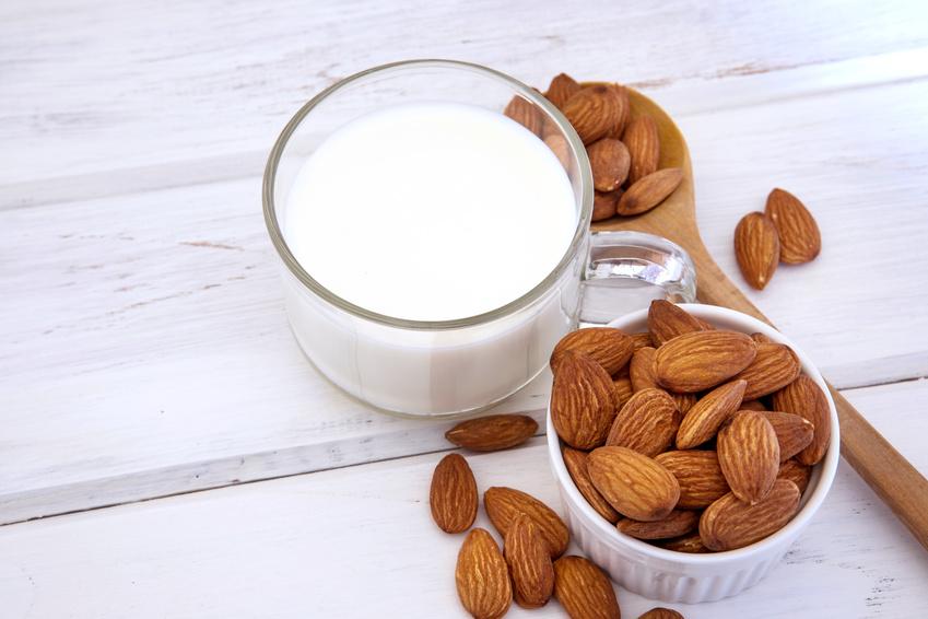 Fabriquer son lait d 39 amande maison blog au naturel - Fabriquer son desodorisant maison ...